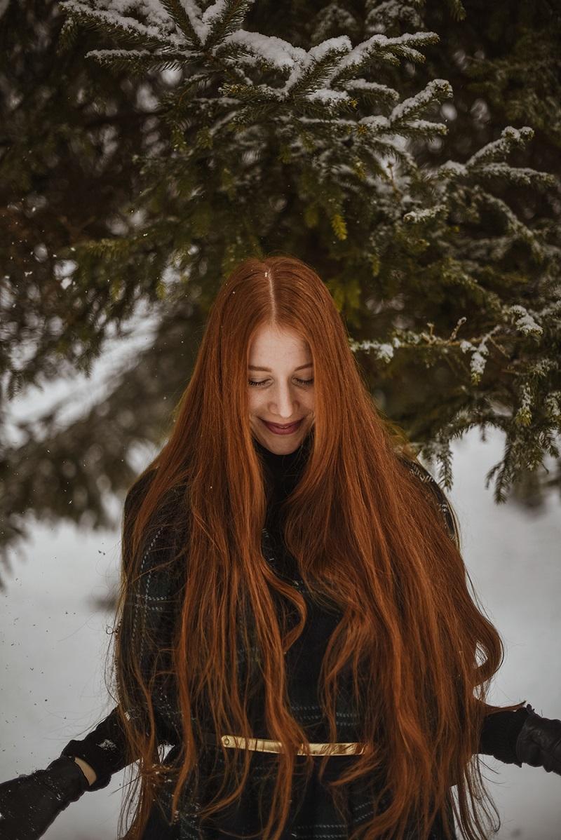 wearing SPF in winter by Anastasija Thirsty for tan