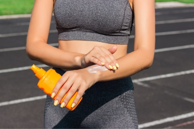 Does Sunscreen Make You Sweat More featured
