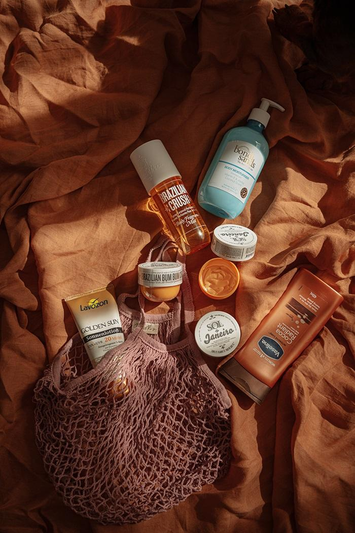 moisturizers for tan by Anastasija thirsty for tan