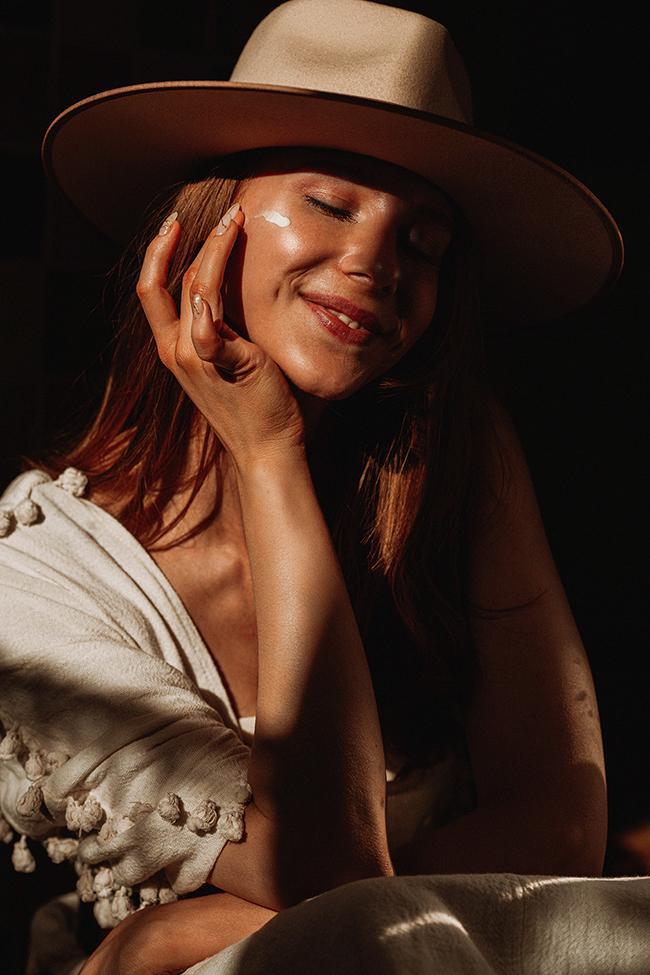 sunscreen-Anastasija-Thirsty-for-tan