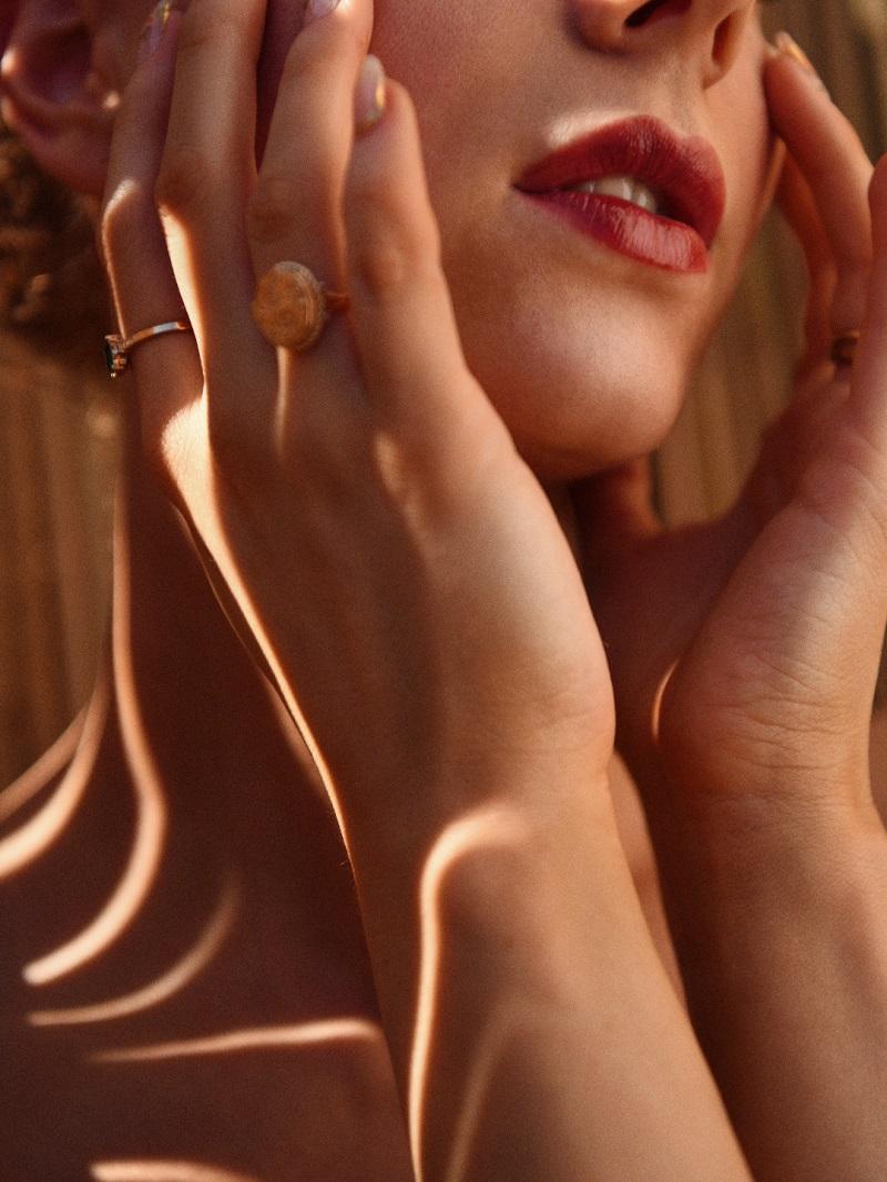 burnt lips by-Anastasija-Thirsty-for-tan