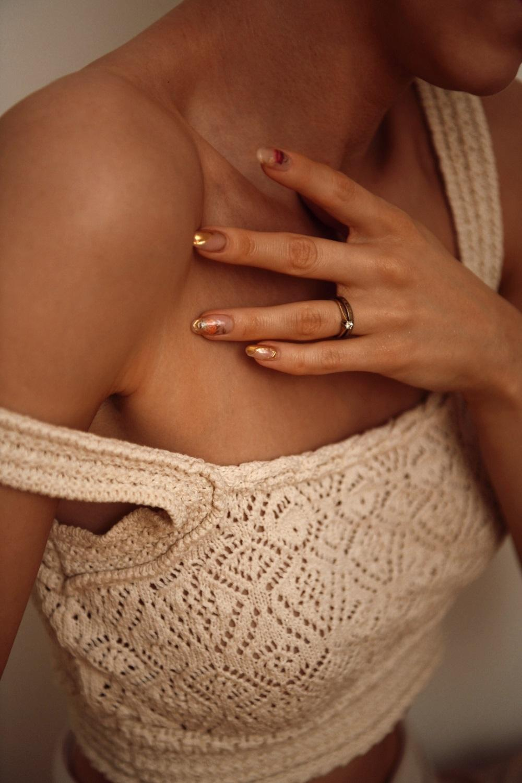 sensitive skin by Anastasija Thirsty for tan